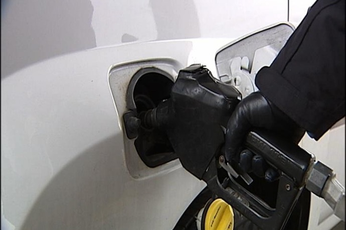 Pumping Gas_9093439718124243419