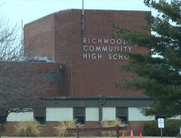 Richwoods High School_9027645322832463073