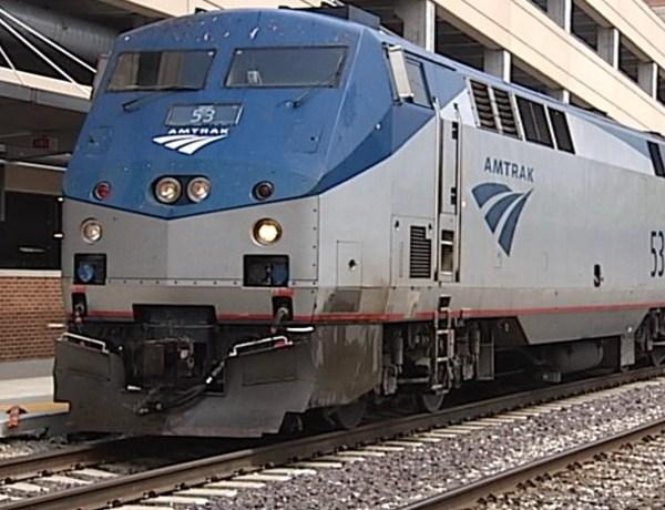 Amtrak in Uptown Normal_5428956544871319947