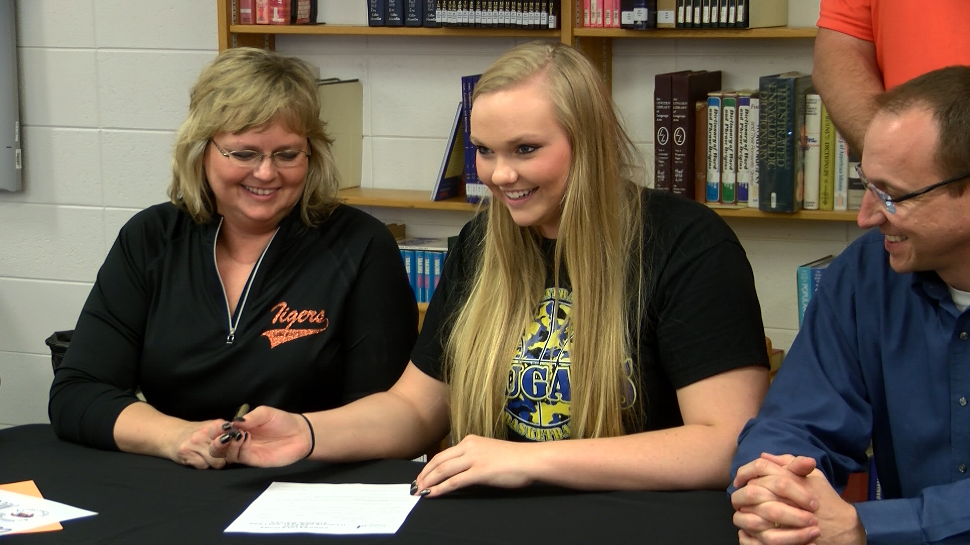 Sydney McClintock signs with ICC