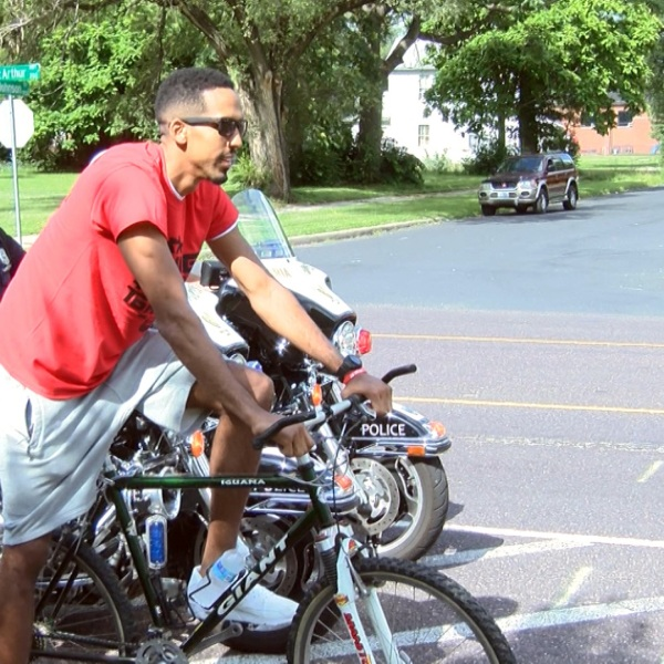 Shaun Livingston bike ride