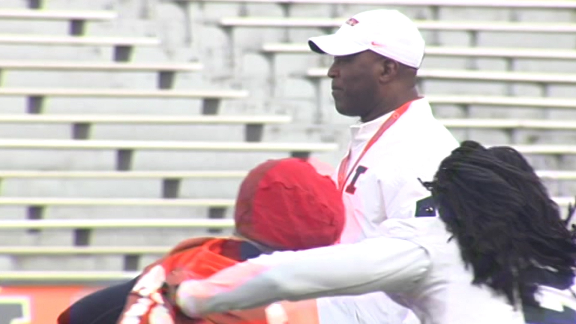 Lovie Smith first Illini practice_1472792676025.jpg