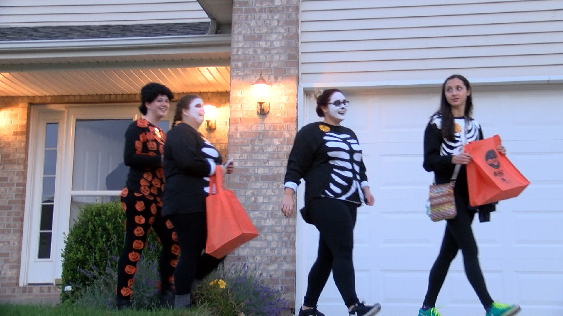 trick or treat for change_1477963962256.jpg