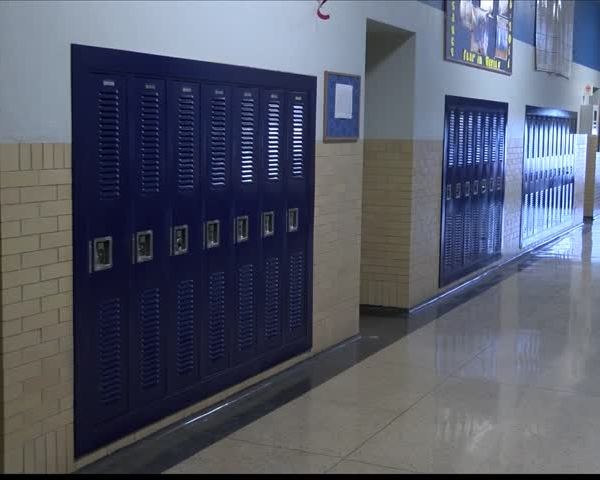 Illinois Late on School Payments Again_90488562