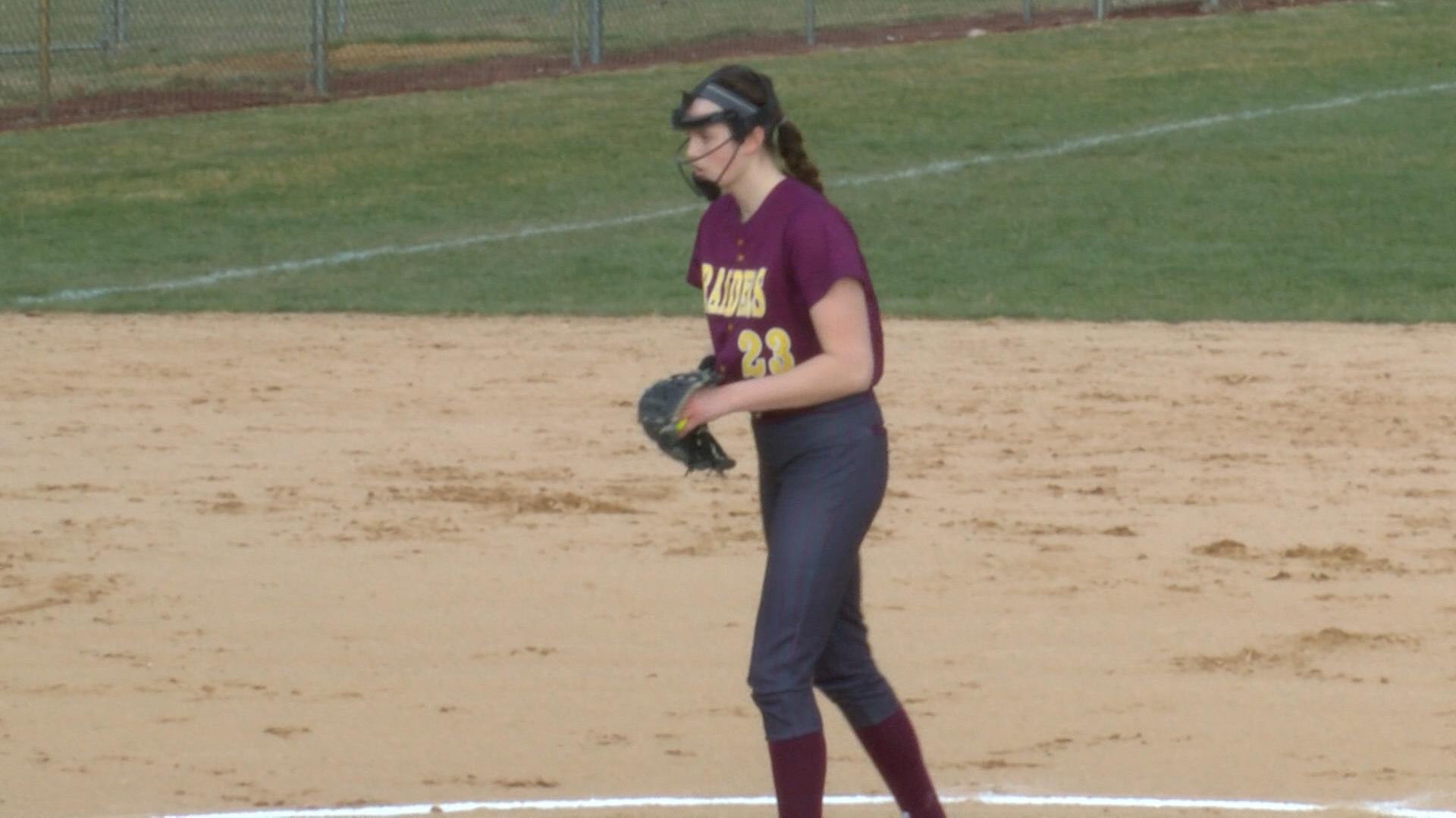 Alyssa Graves (EP softball)_1490918194114.jpg