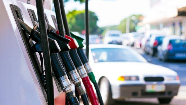 Car-pulling-up-to-gas-pumps-jpg_157751_ver1_20170301181006-159532