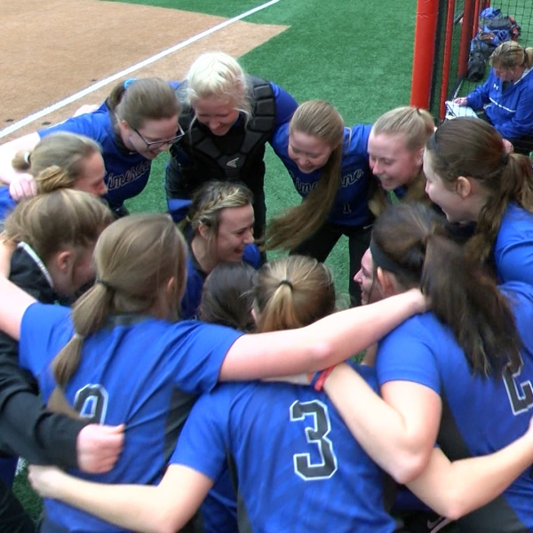 LIMESTONE SOFTBALL_1490670678432.jpg