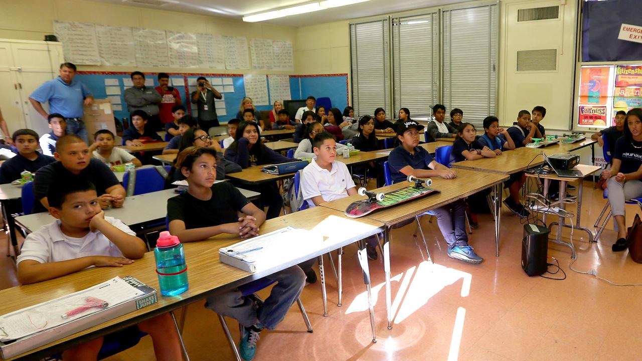 Lent 7 School classroom-159532.jpg32045626