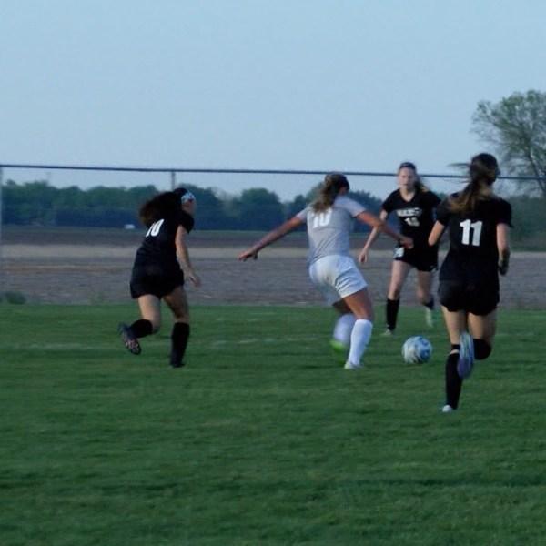 Alyssa Frazier goal 0511_1494566234719.jpg