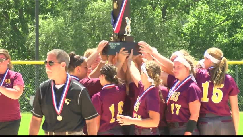 East Peoria Takes Home Second Place Softball Finish