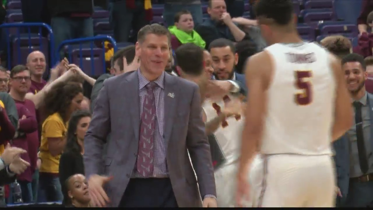 _Reinvented__Porter_Moser_In_Final_Four_0_20180329023830