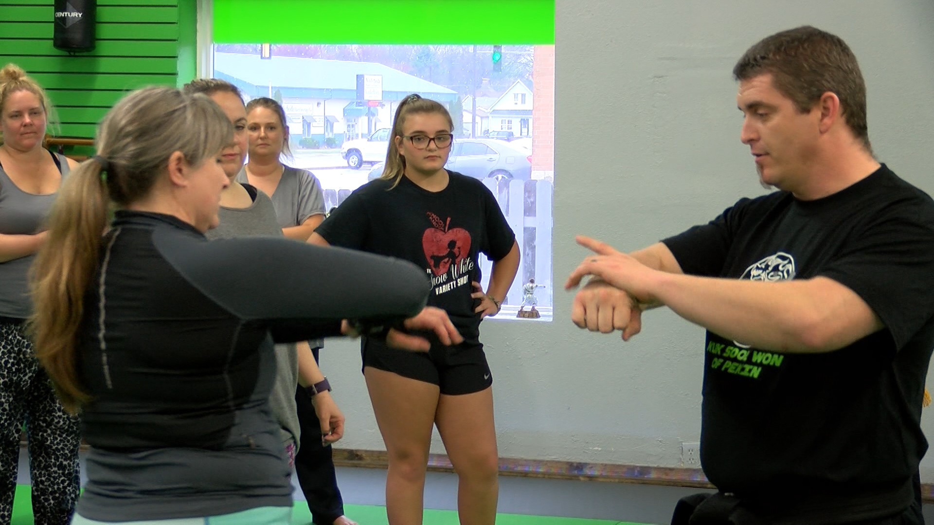 WOMEN'S SELF DEFENSE_1523760185727.jpg.jpg