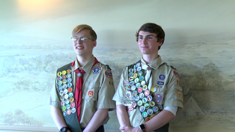 Eagle Scouts get free laptops from family who lost a loved