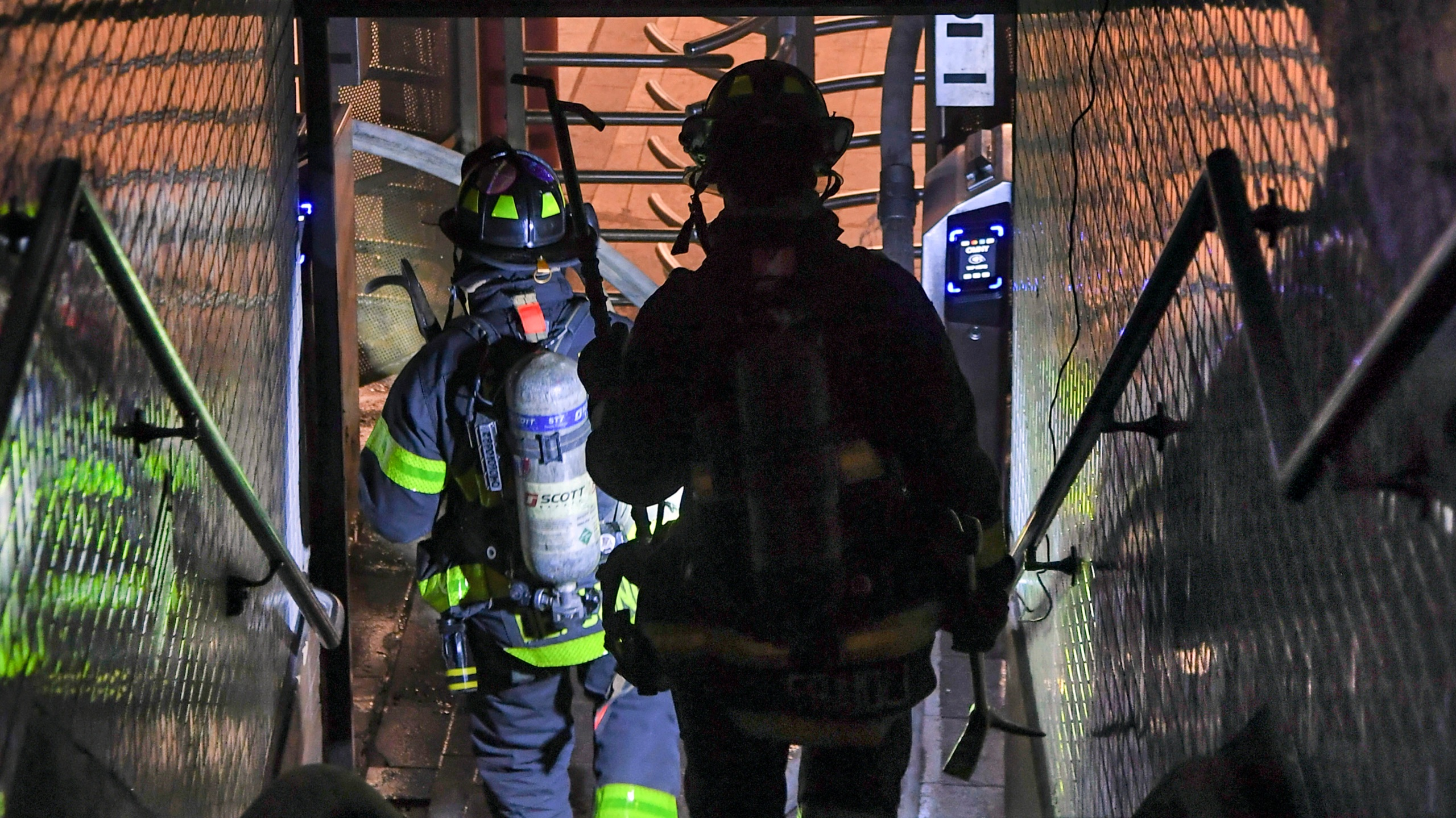 NYC subway driver dies after train fire; police