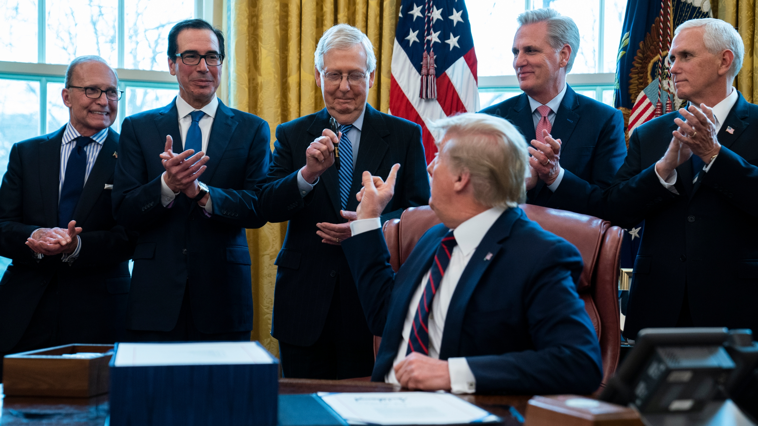 Donald Trump, Mitch McConnell, Larry Kudlow, Steven Mnuchin, Kevin McCarthy, Mike Pence