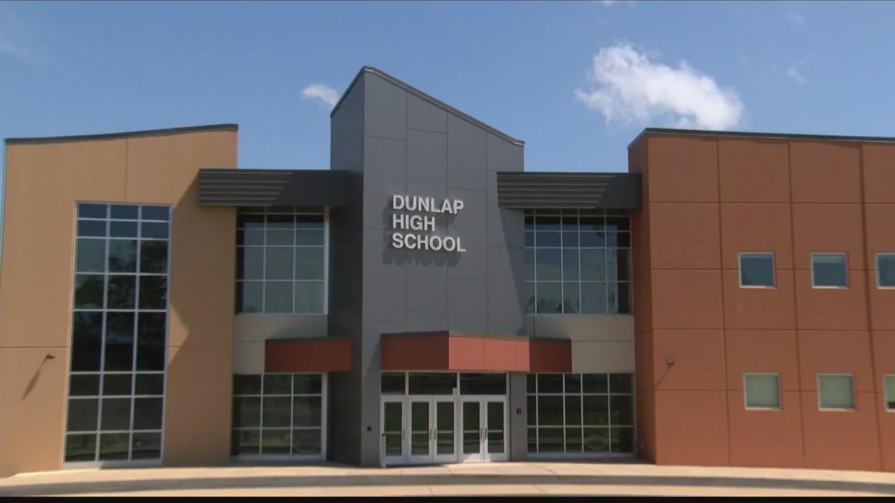 Dunlap Christmas Parade 2020 Dunlap school district considers slashing budget, families say