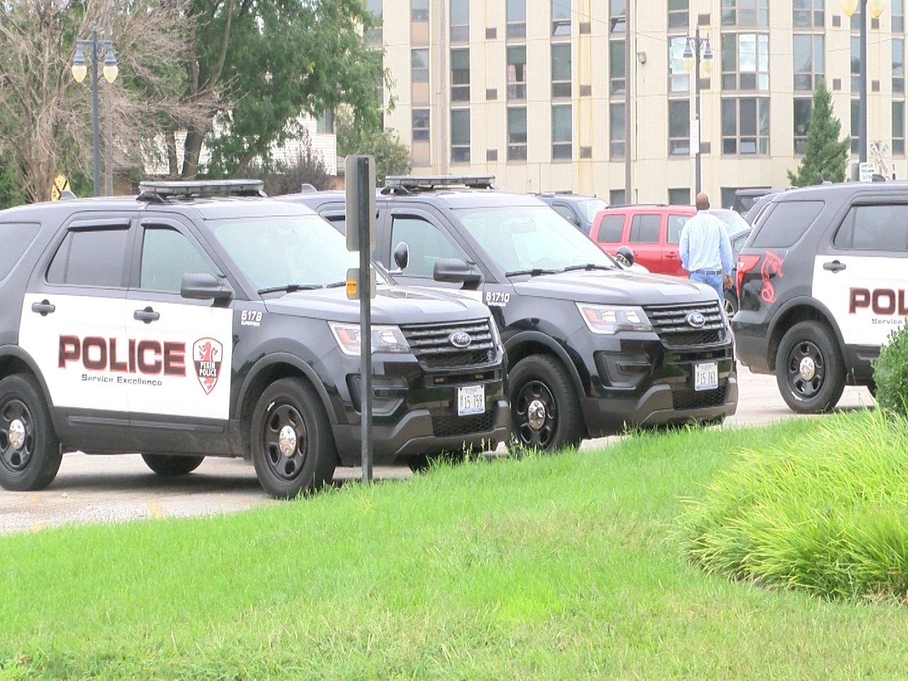 Baptist church in Pekin gives back to first responders ...